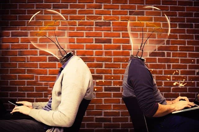 Werbetexte erstellen lassen: Zwei kreative Köpfe denken